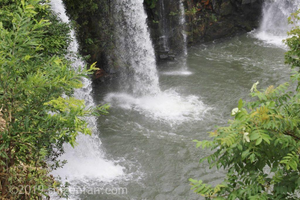 原尻の滝の滝壺イメージ写真