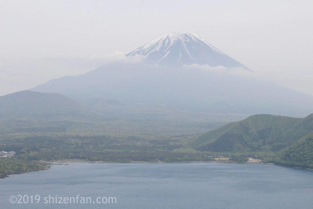 中ノ倉展望台から望む富士山