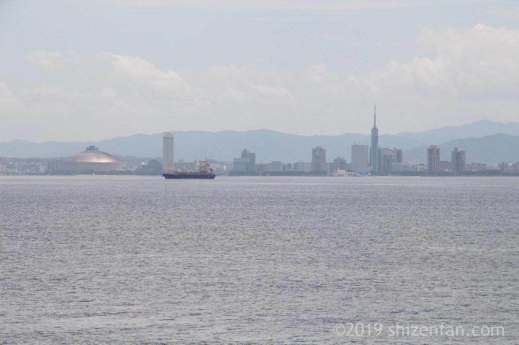 志賀島金印公園前の海から臨む百道浜