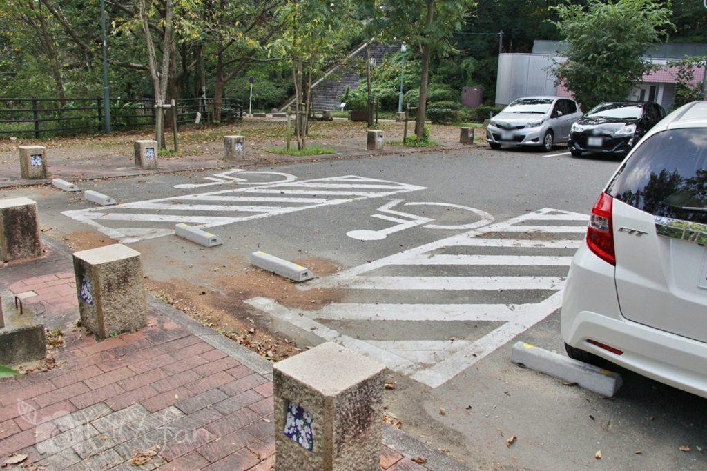福岡西公園 中央駐車場の車椅子優先スペース