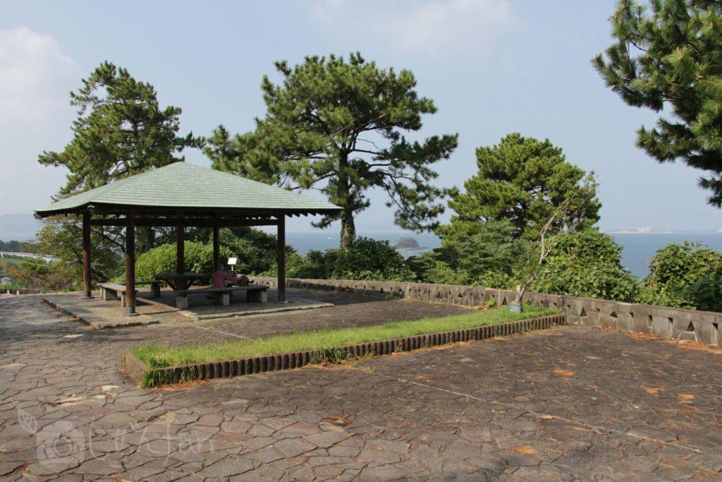 福岡西公園 西側展望広場の東屋
