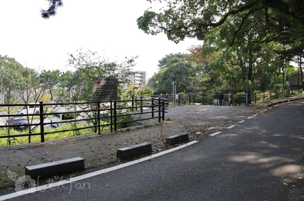福岡西公園 東側駐車場入り口