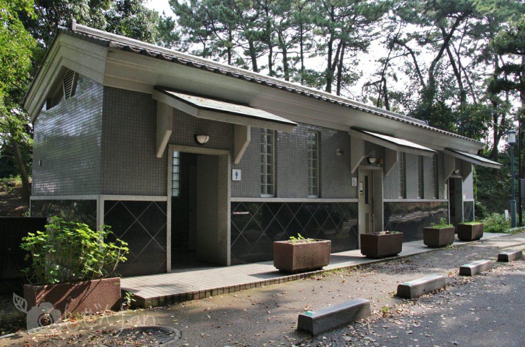 福岡西公園 東側駐車場近くのトイレ