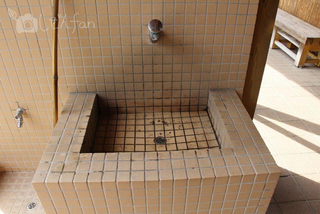 篠栗九大の森、トイレの洗い場の様子