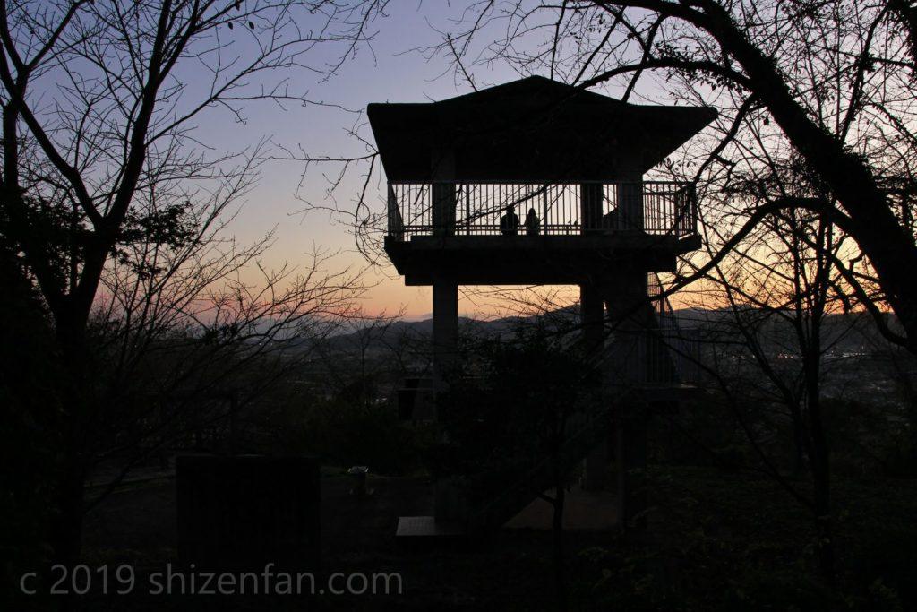 佐賀県小城市 夕暮れ時の千葉公園展望台