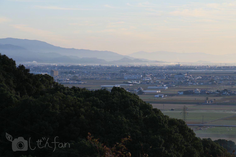 早朝の牛尾梅林からの眺め