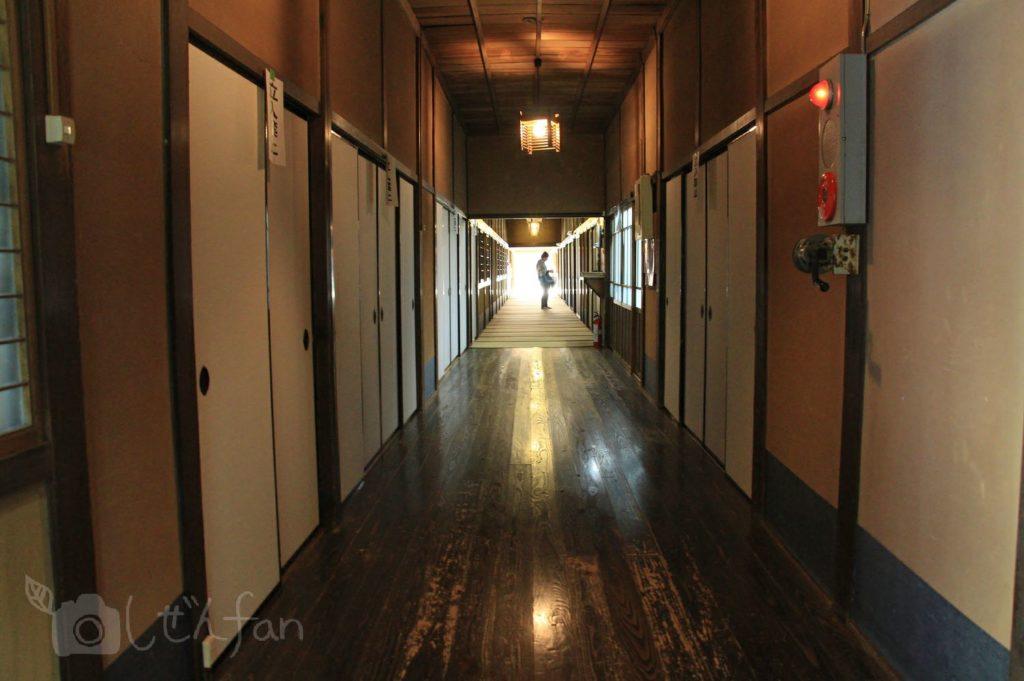 麻生大浦荘の廊下