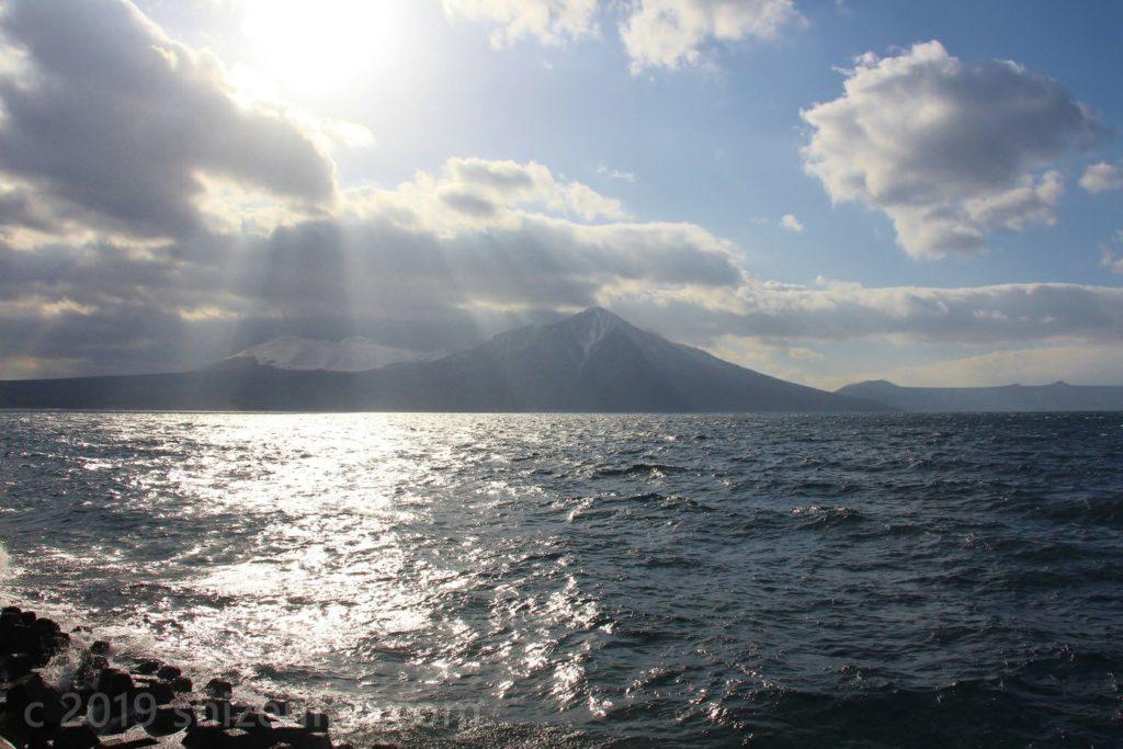 支笏湖・風不死岳と樽前山
