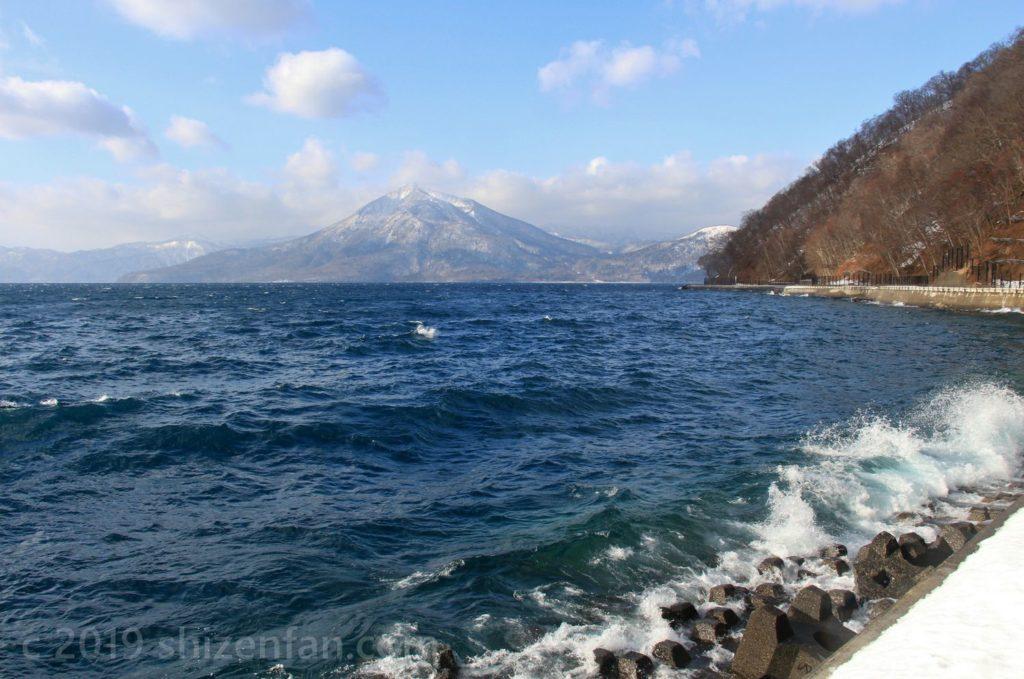 冬の支笏湖・恵庭岳