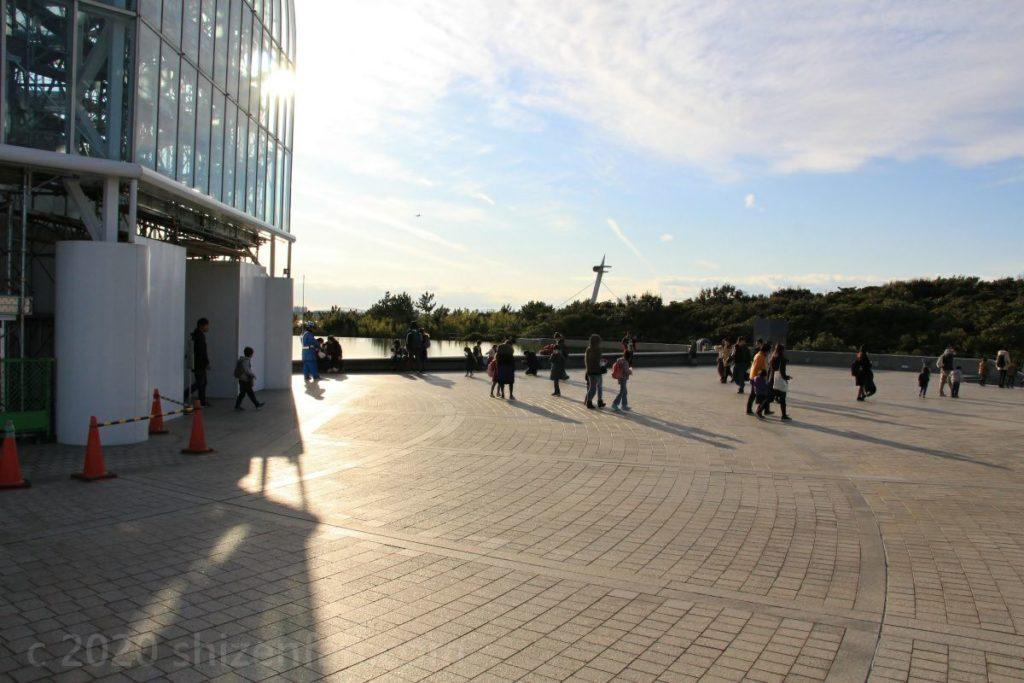 葛西臨海水族園の空の広場