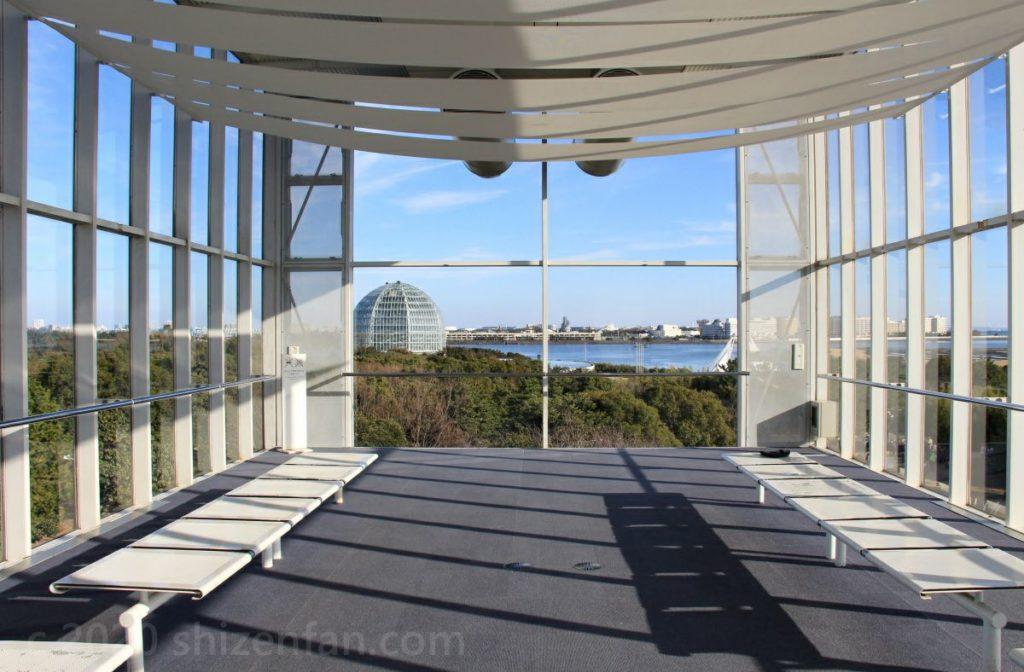 葛西臨海公園・クリスタルビュー2階展望室の様子
