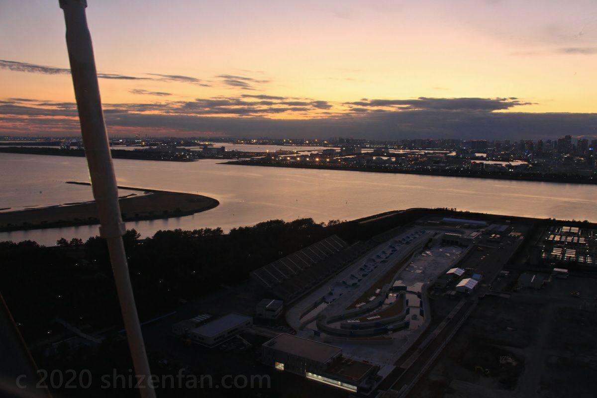 葛西臨海公園・大観覧車からの眺め(夕暮れ)