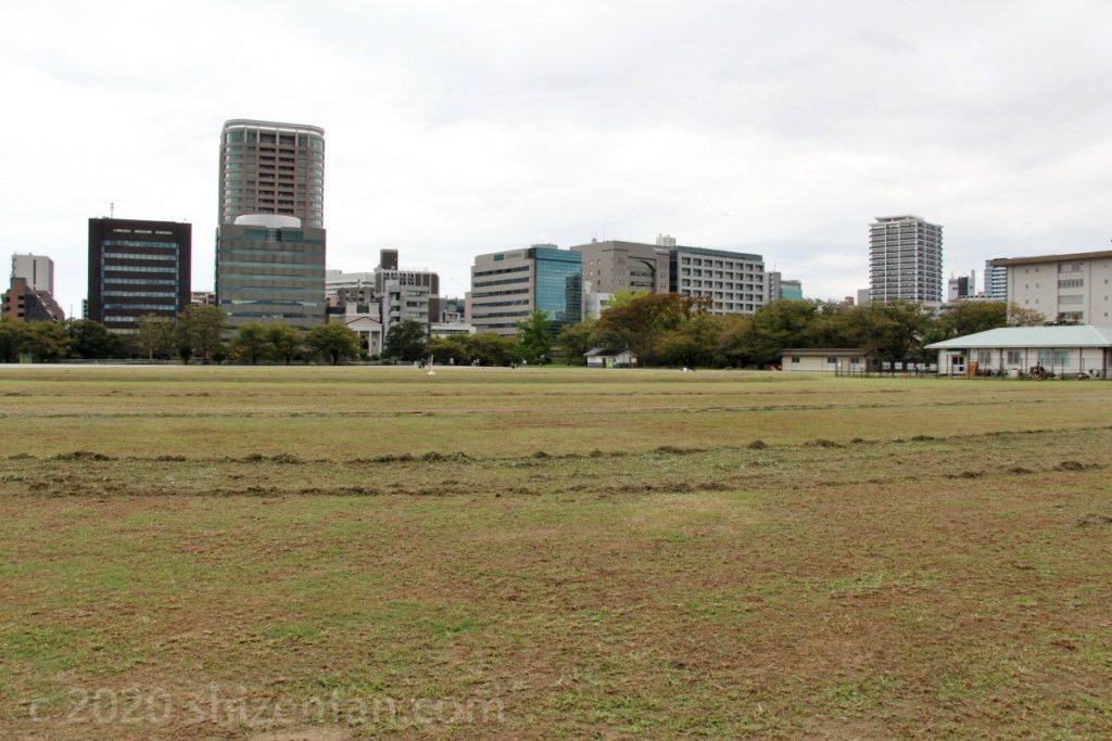 鴻臚館広場 平和台球場跡