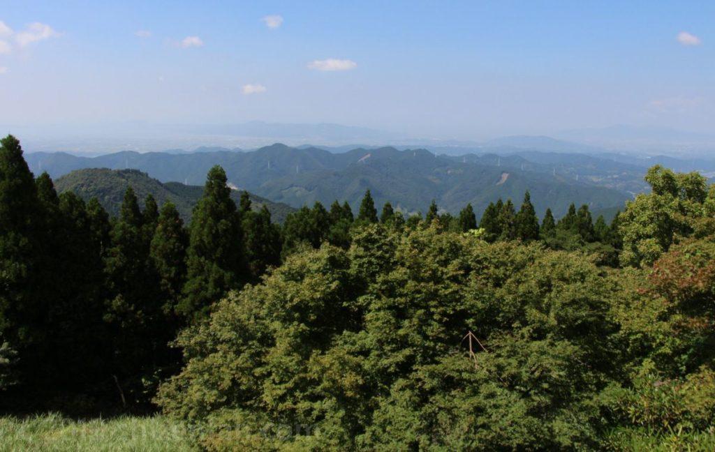 熊本・釈迦院御坂(日本一の階段)頂上の展望東屋からの眺め