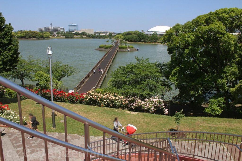 駕与丁公園展望広場の風車から眺める駕与丁大橋