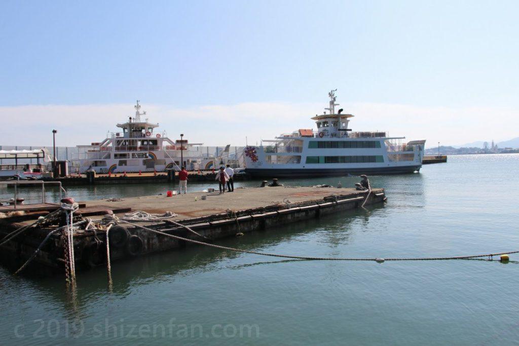 能古島の渡船場周辺の様子