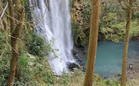楓葉の滝(大分県日田市)
