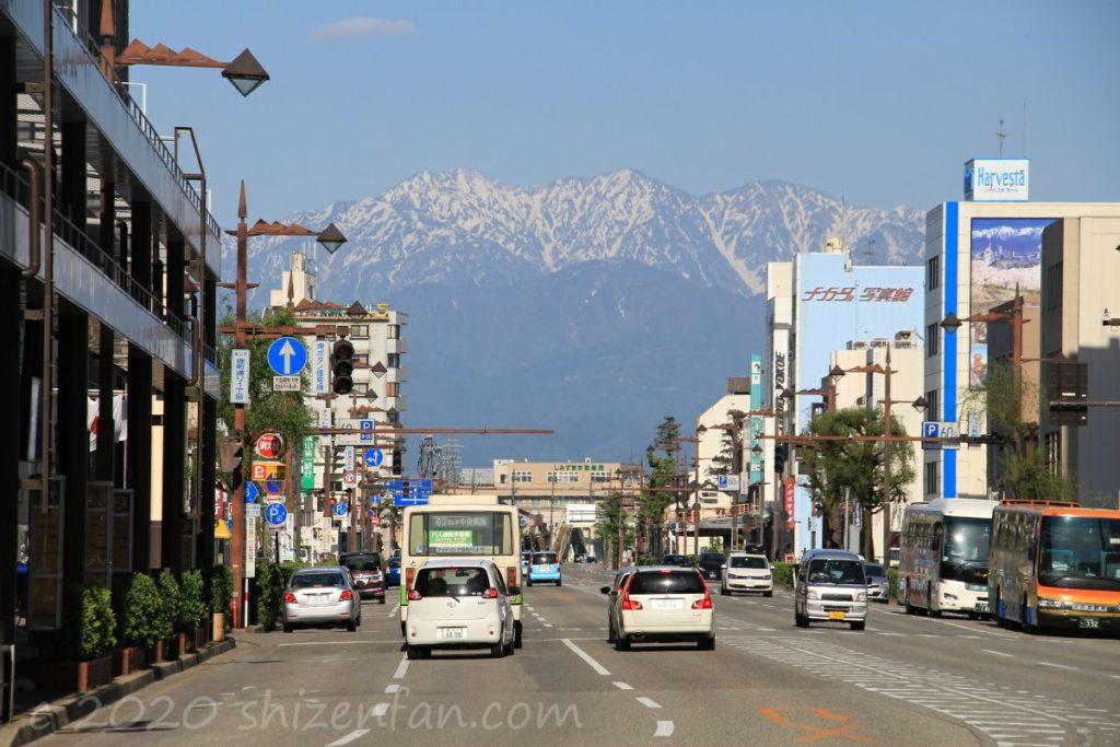 富山市街から望む立山連峰(2016.5.5撮影)