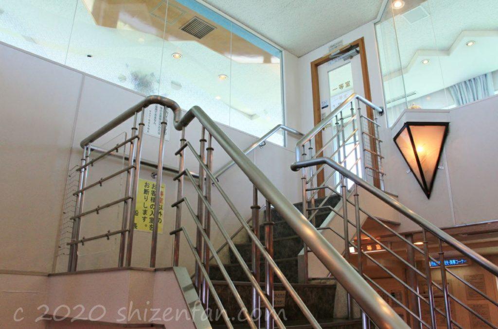 フェリーちくし・スカイラウンジへの階段