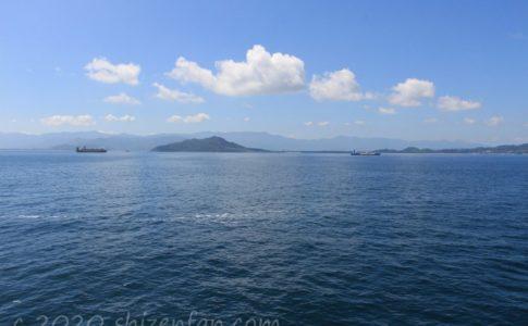 博多から壱岐へ向かう「ちくし」船上からの海景色