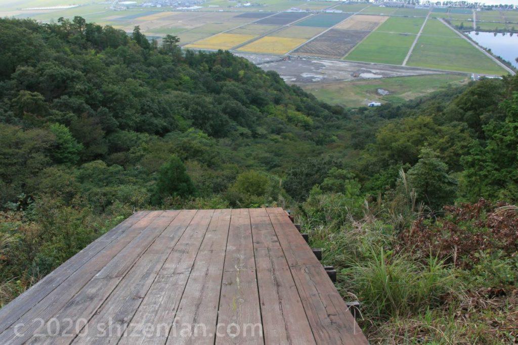 荒神山ハンググライダー場の踏切台