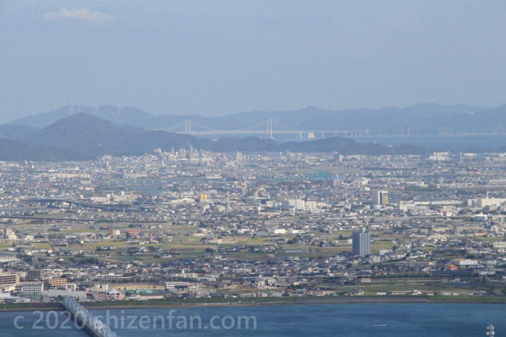 眉山展望台から望む明石海峡大橋