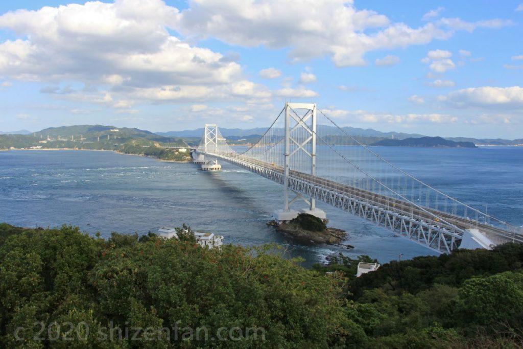 鳴門山展望台から望む大鳴門橋