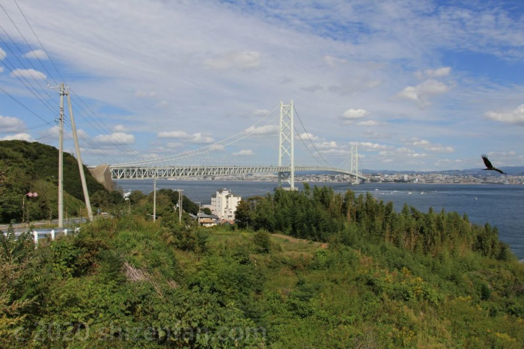 淡路島側から見た明石海峡大橋