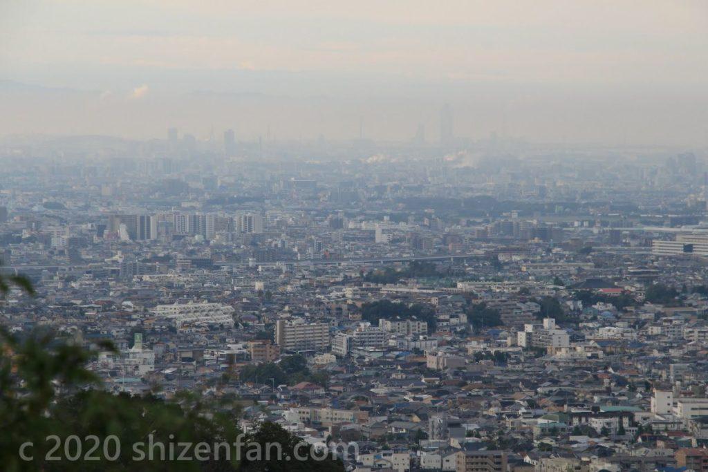 箕面の滝・望海丘展望台から望む大阪の街