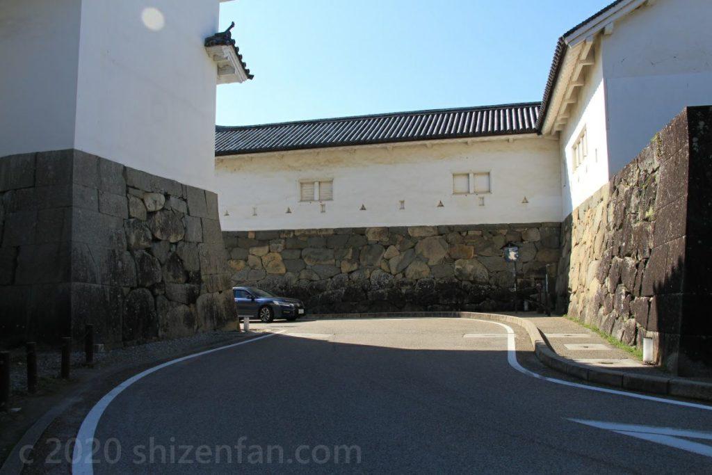 彦根城・佐和口付近の道路の様子