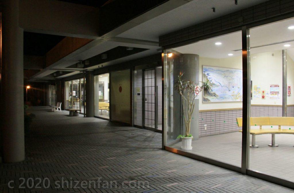 福井「道の駅河野」夜の外観