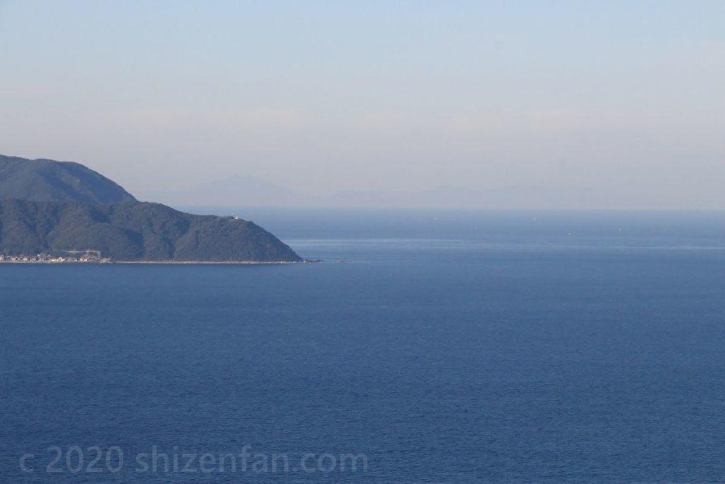 福井「道の駅河野」からうっすら見える丹後半島