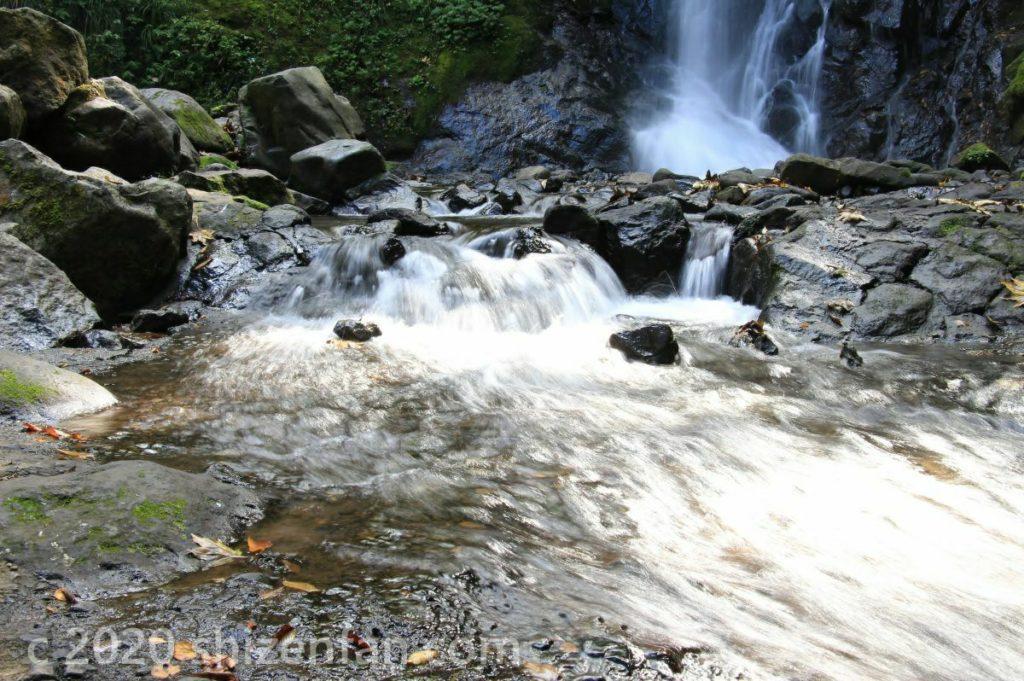 福井・一乗滝から流れ出る清流