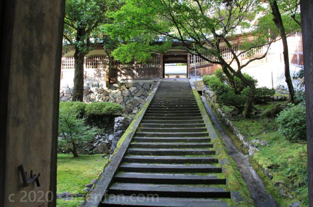 大本山永平寺、長く伸びた石段