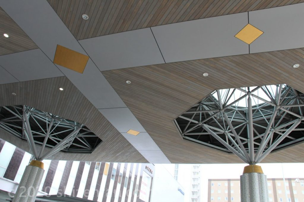 金沢駅・西口の天井