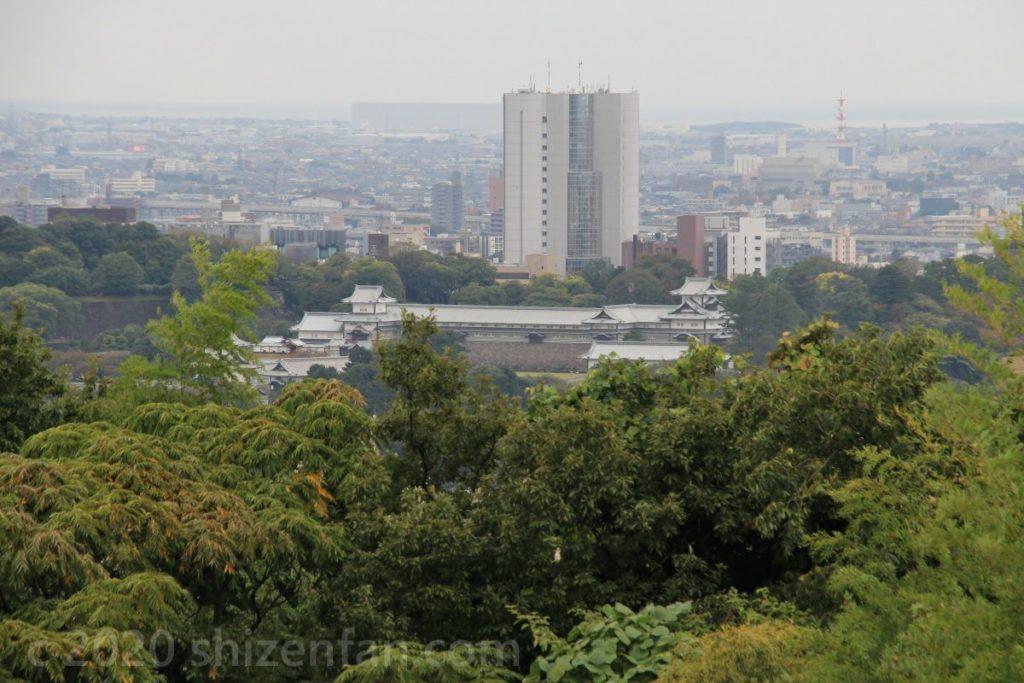 金沢・卯辰山見晴らし台から望むお城方面