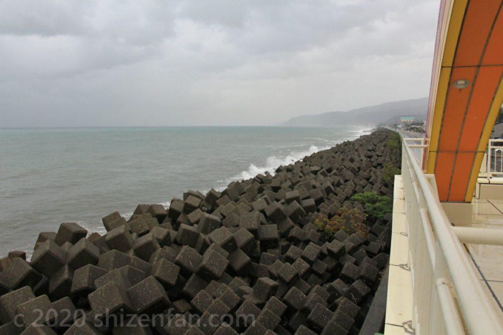 糸魚川海岸・海望展望台からの東方向の眺望