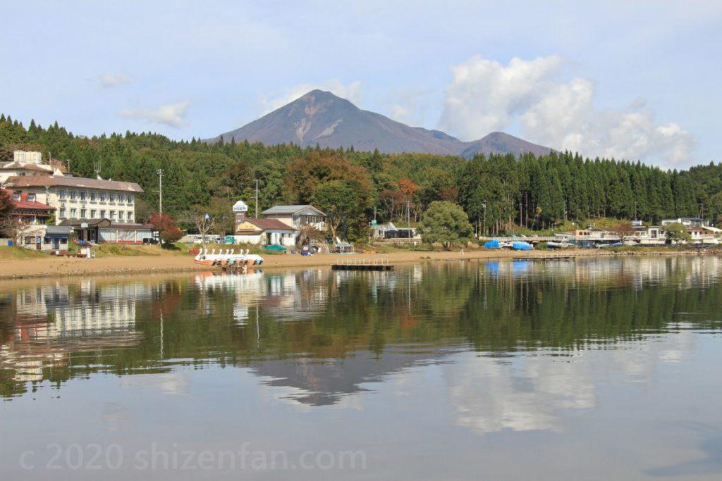 猪苗代湖・長浜公園から見える磐梯山