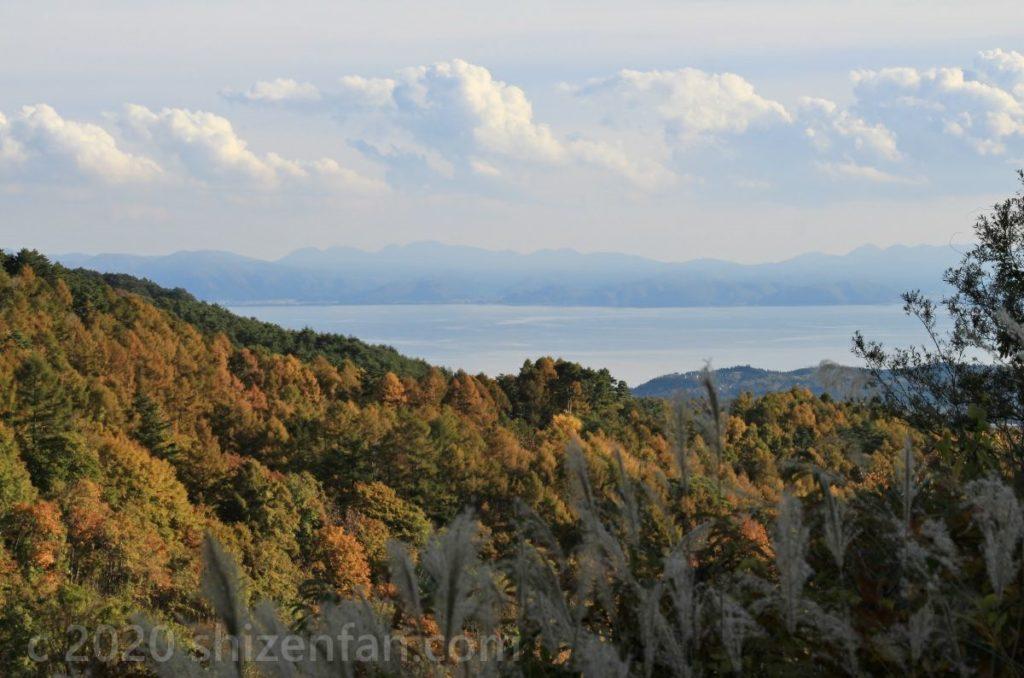 磐梯山ゴールドライン滑滝展望台から見える猪苗代湖