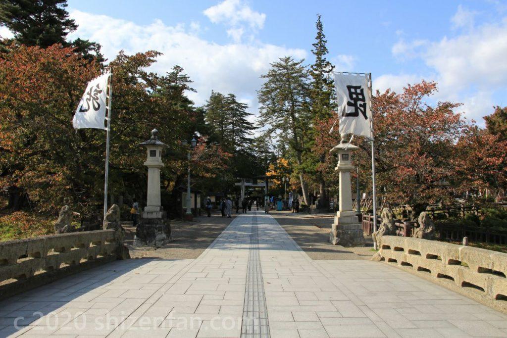 米沢城址内上杉神社入口の様子