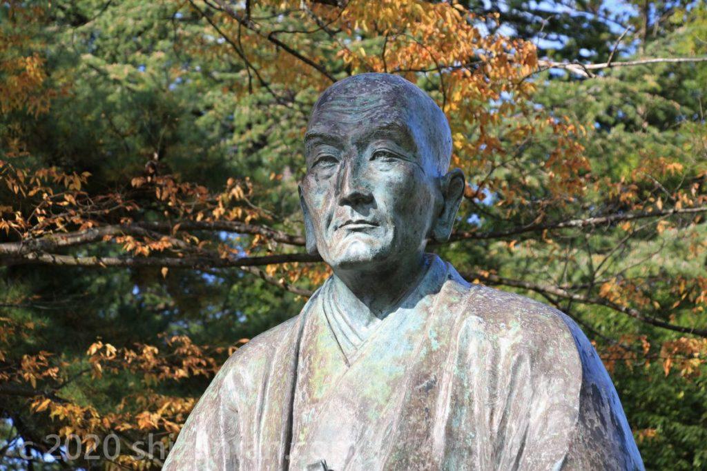 米沢城址・上杉鷹山の銅像(顔アップ)