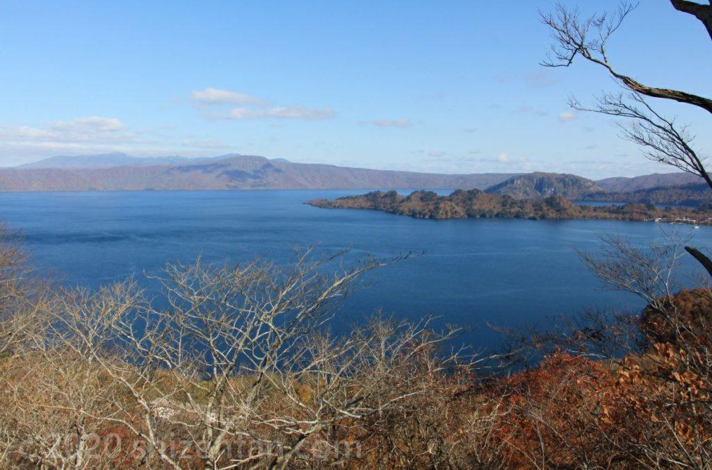 十和田湖発荷峠から望む十和田湖